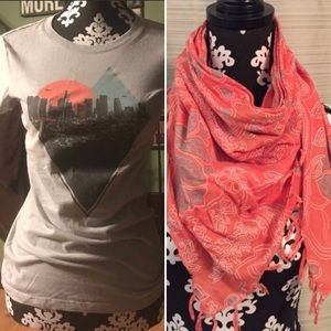 Aeropostale Los Angeles T-Shirt and Scarf Bundle